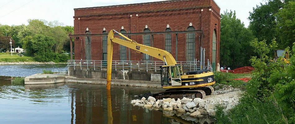 Indianford-Dam-cleaning-2015-1