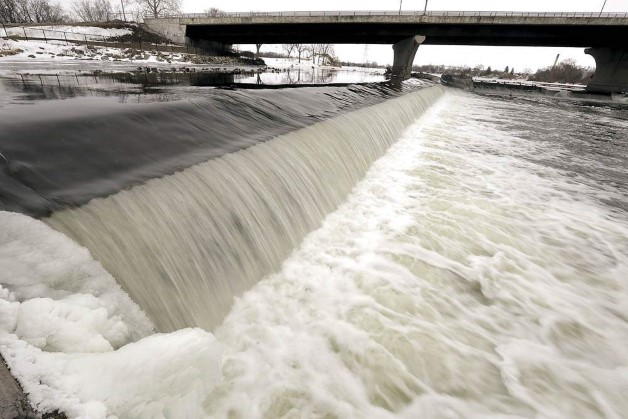 Monterey Dam on Rock River in Janesville, Photo by Dan Lassiter, Janesville Gazette
